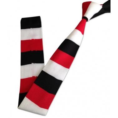 cravate tricot rouge, blanche et noire