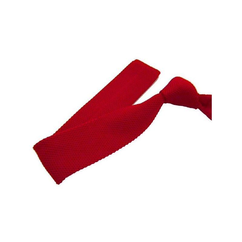 cravate tricot rouge