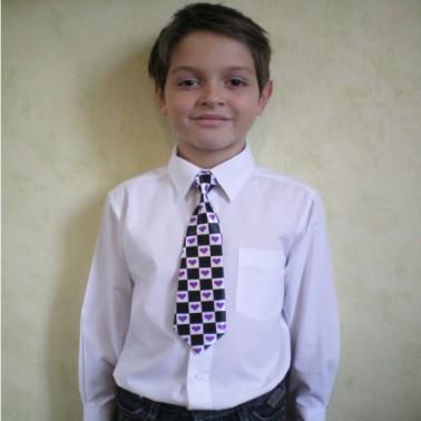 """Cravate d'enfant à motifs """"coeur"""", finitions main"""