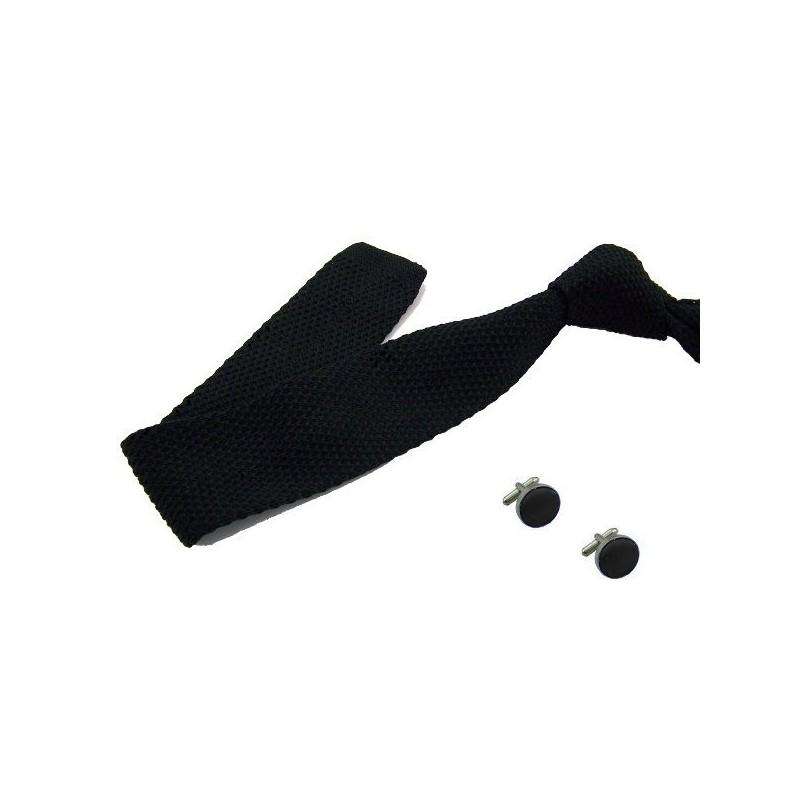 cravate tricot noire et ses boutons
