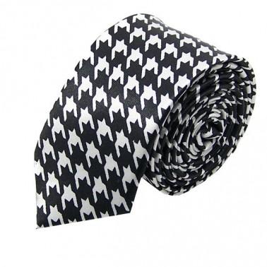 cravate étroite blanche et noire
