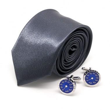 cravate gris-vintage et boutons compteur américain
