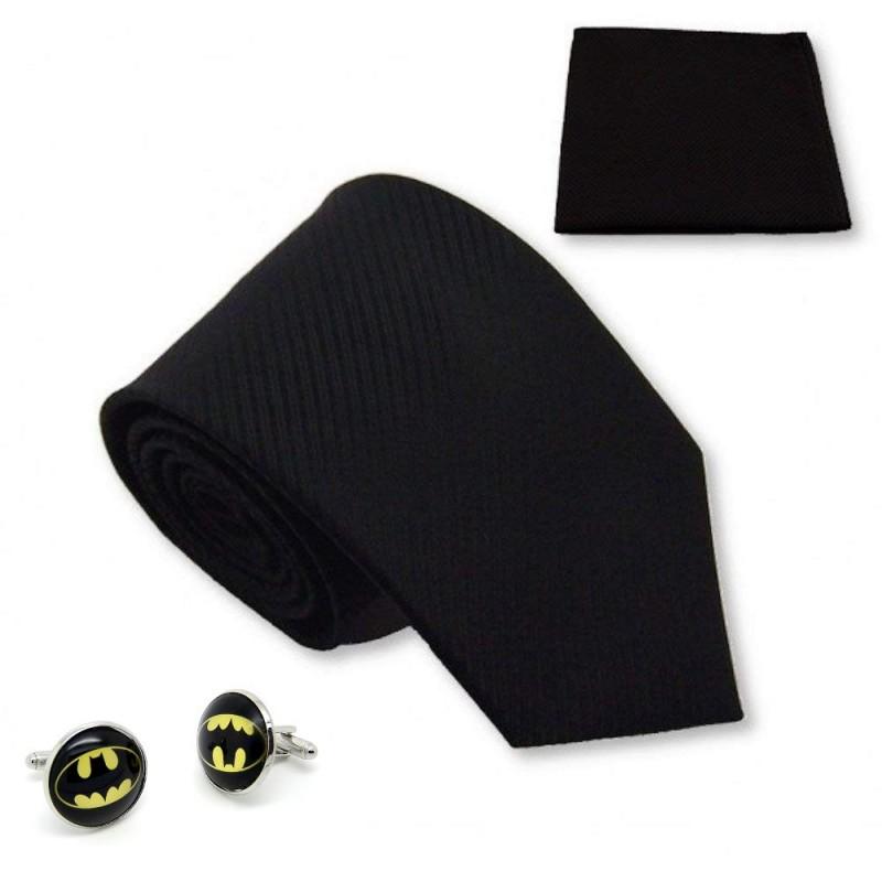 cravate noir, pochette costume et manchette Batman