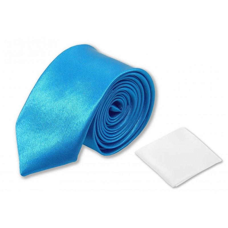 Cravate slim bleu-clair et pochette costume blanche