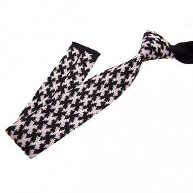 cravate tricotée noire et blanche